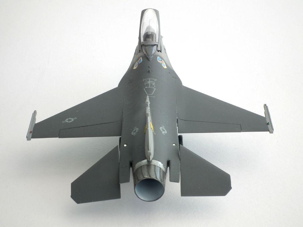 F-16A_82-0977_4005.jpg
